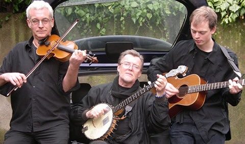 Rattle on the Stovepipe: DAVE ARTHUR (banjo, guitar, melodeon, vocals) PETE COOPER (fiddle, viola, vocals) DAN STEWART (guitar, banjo)